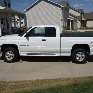 dorelse's 98 Dodge Ram 1500 QC Sport