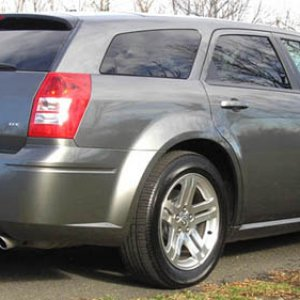 2005 Dodge Magnum RT - Mineral Grey - Rear Angle View