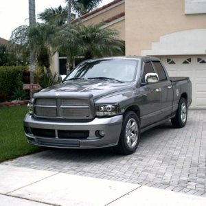 Ram Addiction's 05 Hemi (pic1)